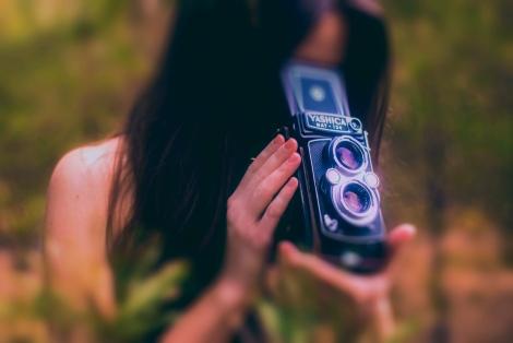 YASHICA; Camera; Photo; Art,Необычный фотоаппарат; ретро фотик; старые фотоаппараты; девушка с фотоаппаратом; девушка; girl